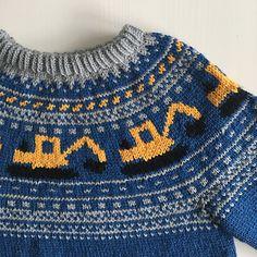 Ravelry: Gravemaskingenser (NORSK) by Katrine Opgård og Linn Anita Dahle Knitting Patterns Boys, Baby Sweater Patterns, Knitting For Kids, Baby Knitting, Boys Sweaters, Knitted Hats, Knit Crochet, Baby Dress, Skort