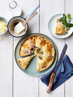 Scones have a bad reputation, largely owing to those triangle shaped atrocities that you're afraid to break your teeth on at sub-par chain coffee shops. Buttermilk Scone Recipe, Blueberry Scones Recipe, Quiche Au Brocoli, Pizza Style, Go For It, Quiches, Sweet Tooth, Brunch, Good Food