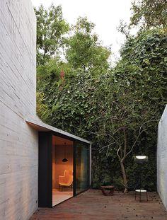 El arquitecto mexicano Isaac Broid y la empresa chilena Assadi + Pulido