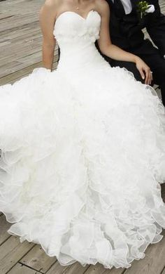 Exclusive+Bridals,+find+it+on+PreOwnedWeddingDresses.com Buy my dress ! It's lovely and 70% off list price