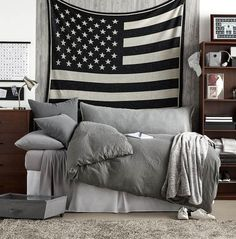 Guys Dorm Room Decor - Dorm Room Ideas For Guys | Dormify http://hubz.info/121/pretty-pastel-hair-color-ideas Guy Dorm Rooms, Cool Dorm Rooms, Dorm Room Checklist, College Room, College Apartments, College House, College Life, Man Room, Men Apartment