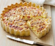 The best Quiche recipes - from classic quiche Lorraine to our delicious Leek and camembert quiche recipe, we've got the right quiche recipes for you Quiches, Bacon Egg Bake, Best Quiche Recipes, Easy Quiche, Brunch, Good Food, Yummy Food, Cooking Recipes, Healthy Recipes