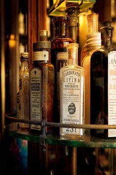 Farmacia Francesa Triolet  Museo Farmacéutico de Matanzas Cuba © 2012 Carlos Alberto Fleitas Matanzas Cuba, Cuba People, I Love The World, Old Bottles, Caribbean Sea, Cuban, Pharmacy, Apothecary, Puerto Rico