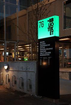 totem signalétique extérieure design - Recherche Google