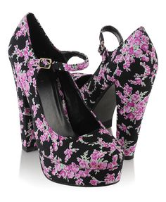 must get these shoes :D