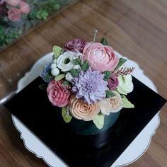 #플라워케이크#앙금플라워#鲜花蛋糕#cake#flowercake #취미 #홈메이드 #flowercandle #flowerstagram#baking#플라워캔들 #꽃스타그램#rose#wedding#birthday#soycandles #창업클래스 #cupcakes# #소이캔들 #koreanbuttercreamcake#주부창업 #delonghi #인테리어소품 #디퓨저 #장미#flower #캔들 #candles