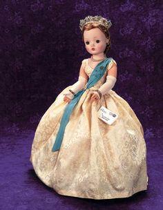 Past Perfect: 27 Cissy Model of Queen Antique Dolls, Vintage Dolls, Vintage Stuff, New Dolls, Barbie Dolls, Vintage Madame Alexander Dolls, Hair Pulling, Alexander The Great, Queen Elizabeth Ii