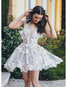 A-Line Deep V-Neck Sleeveless White Tulle Homecoming Dress with Appliques