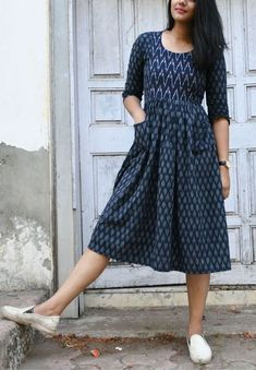 Simple Frocks, Casual Frocks, Long Gown Dress, The Dress, Frock Dress, Trendy Dresses, Simple Dresses, Casual Dresses For Teens, Kalamkari Dresses