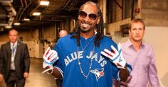 Snoop Dogg Nominates Himself As New Twitter CEO After Dick Costolo Resigns