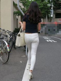 Sexy Jeans, Jeans Fit, Jeans Style, Jeans Pants, Sexy Legs And Heels, Tops For Leggings, White Pants, Leather Leggings, Girls Jeans