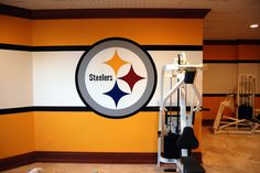 Pittsburgh Steelers Locker Room Mural by Tom Taylor of Wow Effects, painted in a home gym in Virginia. Pittsburgh Steelers Helmet, Pittsburgh Steelers Wallpaper, Go Steelers, Steelers Season, Steelers Gifts, Steelers Stuff, Man Cave Basement, Man Cave Garage, Steelers Happy Birthday
