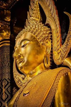 Vande. Vande. Buddhaya. Buddhaya. Namo. Namo. Namo Bhagavato Ariya-ñāna-sāgara-Gotama-byuharājāya Tathāgataya Arahato Sammāsambuddhaya Sasāvakasanghaya. Thai Buddha Statue, Gautama Buddha, Thai Art, Guanyin, Buddhist Art, Priest, Bangkok, Beauty, Blue Prints