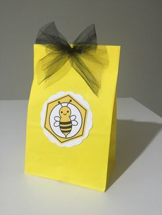 Un favorito personal de mi tienda Etsy https://www.etsy.com/es/listing/469609157/bee-honey-favor-bags-set-of-12