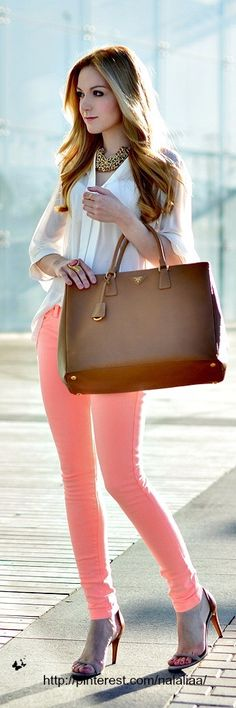 oh hey coral pants! Mode Outfits, Casual Outfits, Fashion Outfits, Womens Fashion, Fashion Trends, Spring Summer Fashion, Spring Outfits, Work Fashion, Fashion Looks
