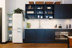 Navy blue kitchen cabinets, dark blue, kitchen inspirations