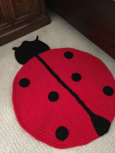 This is the new look for my cute Ladybug rug that is great for pets or kids! Its 100% handmade with love and measures 33 in length and 26 wide. Colors shown here are Red and black and custom colors are available upon request.