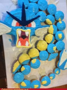 Gyarados Cake Uses Roar!