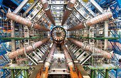 Einer der Detektoren des 7,5 Milliarden teuren Teilchenbeschleunigers im CERN bei Genf.