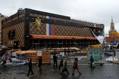 Louis Vuitton starts packing its giant brown suitcase-shaped pavilion off Red Square