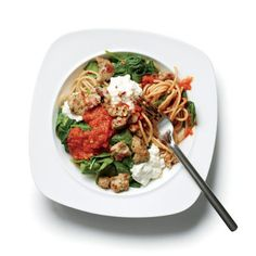 Light Lasagna cup cooked whole-wheat spaghetti cup part-skim ricotta cup prepared tomato sauce tsp crushed red chili flakes 1 Coleman Natural Mild Italian Chicken Sausage link, cooked 2 cups spinach Tasty Vegetarian Recipes, Healthy Recipes On A Budget, Delicious Dinner Recipes, Easy Healthy Dinners, Clean Eating Recipes, Healthy Dinner Recipes, Healthy Eating, Easy Dinners, Healthy Suppers