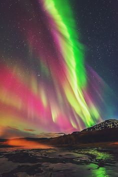 Astrophotos ~~Show on Strokkur ~ all the colors of the aurora borealis rainbow, Iceland by Joris Kiredjian~~ - Aurora Borealis, Beautiful Sky, Beautiful Landscapes, Northen Lights, Natural Phenomena, Science And Nature, Belle Photo, Night Skies, The Great Outdoors