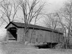 Picture of an Old Covered Bridge in Zanesville, Ohio