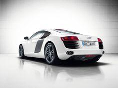 Black & white #AudiR8