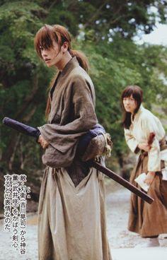 Emi Takei as Kaoru Kamiya, Takeru Sato as Kenshin Himura. Rurouni Kenshin live action.