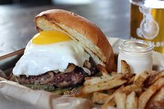 Now, That's a Tasty Burger: 13 Great Burgers in Austin Recommended by Local Food Lovers | fullandcontent.com
