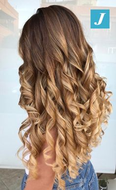 Carefree Beach Curls Bun - 20 Best Celebrity Bun Hairstyles for Long Hair - The Trending Hairstyle Face Shape Hairstyles, Bun Hairstyles For Long Hair, Trending Hairstyles, Hairstyle Men, Funky Hairstyles, Formal Hairstyles, Curls For Long Hair, Long Curly Hair, Curly Hair Styles