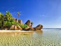 Seychelles Tour Packages – Book Seychelles Holiday Packages from Delhi, Mumbai, Bangalore, Ahmedabad, Chennai and other cities of India. Choose customized Seychelles Trip packages from India at Flamingo Travels! Les Seychelles, Seychelles Islands, Seychelles Holidays, South Africa Tours, Tropical Beaches, Top Destinations, Ways To Travel, Vacation Pictures, Nice View