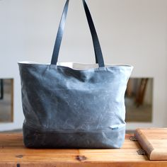 The Shopper no.1 from Moop