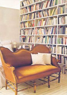 Bedroom library in a Paris apartment; Valérie Mazerat