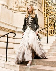 Flowy skirt + military jacket. Bloody fascinating, power and elegance.