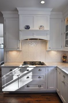 Uplifting Kitchen Remodeling Choosing Your New Kitchen Cabinets Ideas. Delightful Kitchen Remodeling Choosing Your New Kitchen Cabinets Ideas. Kitchen Hood Design, Kitchen Vent Hood, Best Kitchen Design, Kitchen Stove, Kitchen Redo, Kitchen Backsplash, New Kitchen, Kitchen Cabinets, Kitchen Ideas