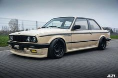 BMW E30 3 series tan