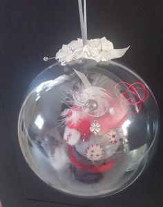 Maison de souris rouge et blanche dans sa boule en laine feutrée : Accessoires de maison par bubble-schott