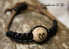 bracelet homme , perle bois gravée