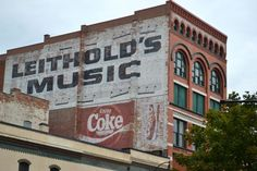 Leithold's Music_side of building advertising