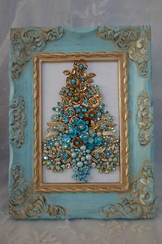 Vintage Jewelry Framed Christmas Tree ♥  Something to do with families old jewelry. If you so not like the tree a star would be a cute alternative and could be used year round