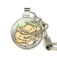 High Quality Afghanistan Vintage Map Keychain Afghanistan Old Map Pendant Key Rings Jewelry Handmade Glass Cabochons Key Holder
