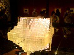 Castelo de cristais - uma das obras mais interessantes em que se tem um espelho que nos dá a noção de profundidade podendo ver sob diferentes ângulos a nossa figura.