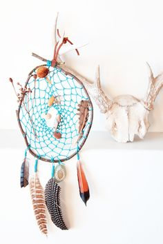 """a link on Geninne's blog to instructions on making a dream catcher. Very """"old school"""". Was makin these in the 80's!!"""