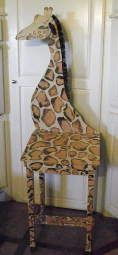 children's desk she added giraffe head and neck to and painted up!