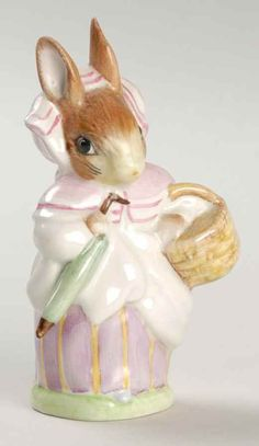 Royal Doulton BEATRIX POTTER FIGURINE Mrs Rabbit Pink