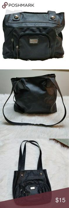 JACLYN SMITH black shoulder bag JACLYN SMITH black shoulder bag, note wear on strap Measurements to come Jaclyn Smith Bags Shoulder Bags