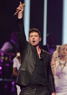 Robin Thicke performs on day 1 of the iHeartRadio Music Festival on September 20, 2013 in Las Vegas, Nevada.