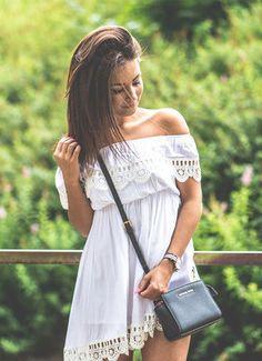 DESCRIPTION Season :Summer Pattern Type :Plain Sleeve Length :Short Sleeve Color :White Dresses Length :Short Style :Casual Material :Cotton Neckline :Off the Shoulder Silhouette :Shift Decoration :La