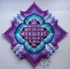 Mandala Yarn, Crochet Mandala, God's Eye Craft, Dream Catcher Art, Origami Paper Art, Gods Eye, Thread Art, Weaving Patterns, Diy Arts And Crafts